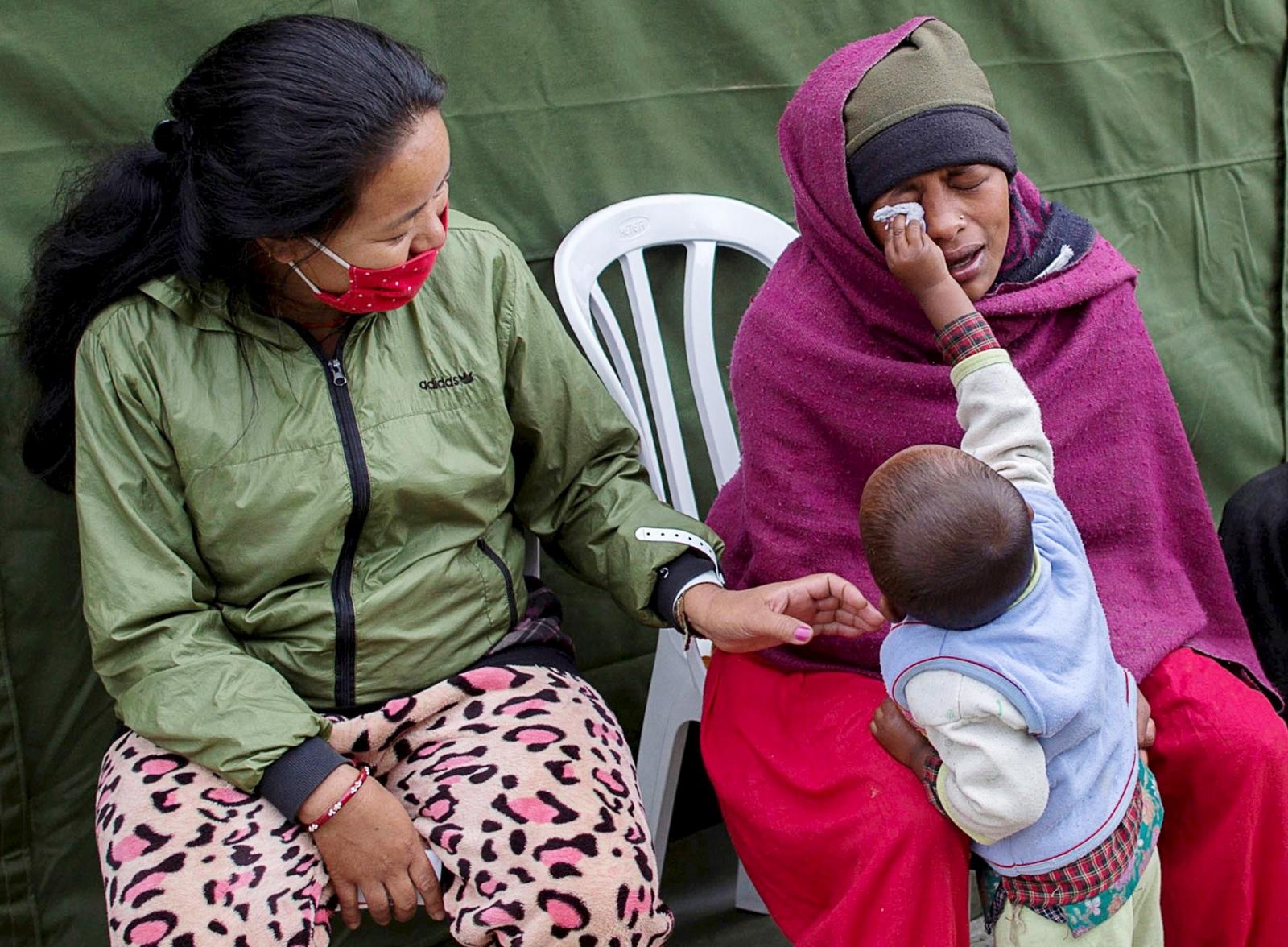 Nepal earthquake women