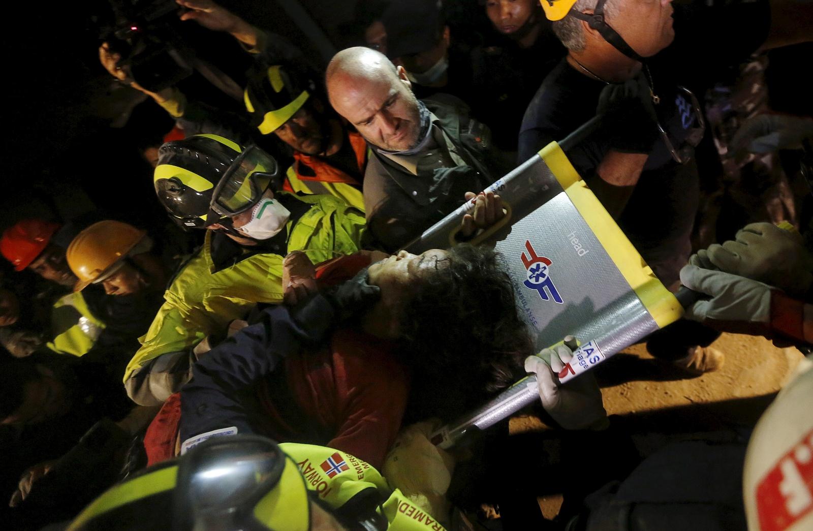 Nepal earthquake woman rescued