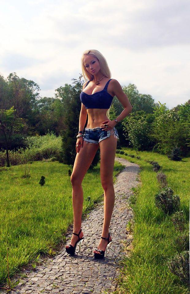 Valeria Lukyanova Human Barbie Is Building Muscles As She No