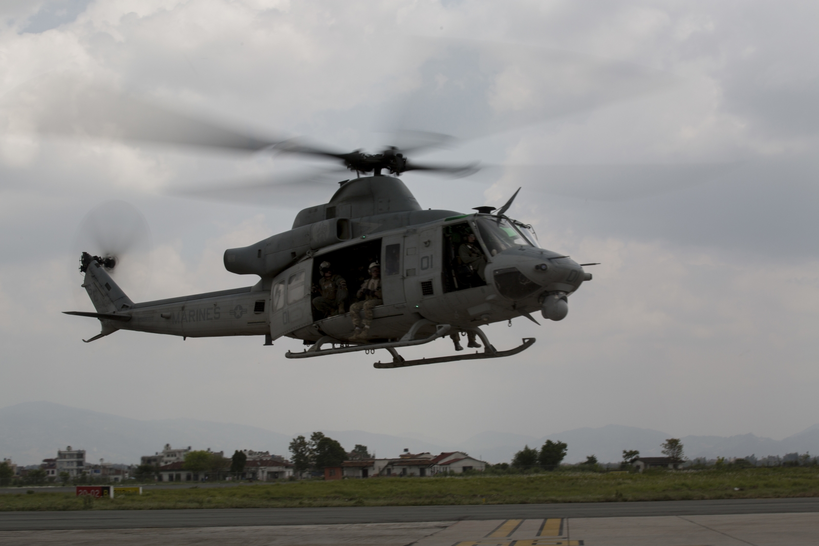 Nepal aid operations US helicopter crash