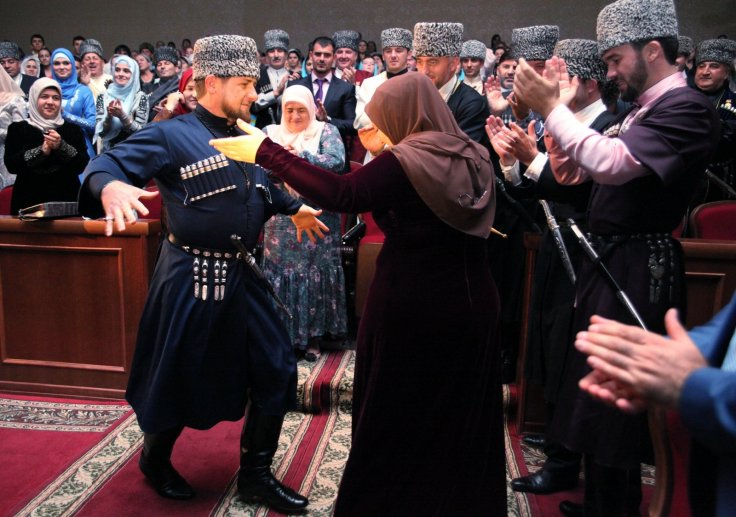 Kadyrov dances