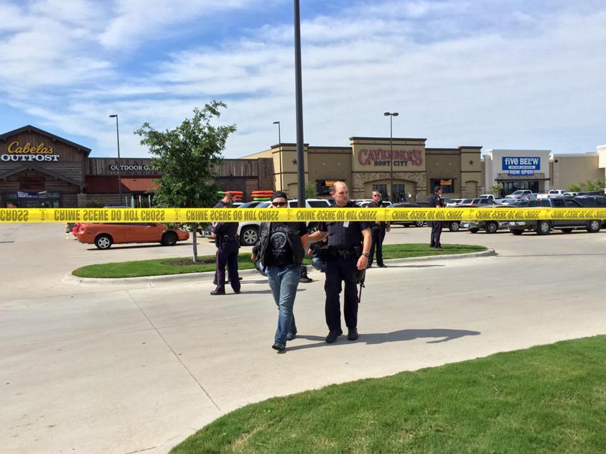 Shootout biker gangs in Waco, Texas