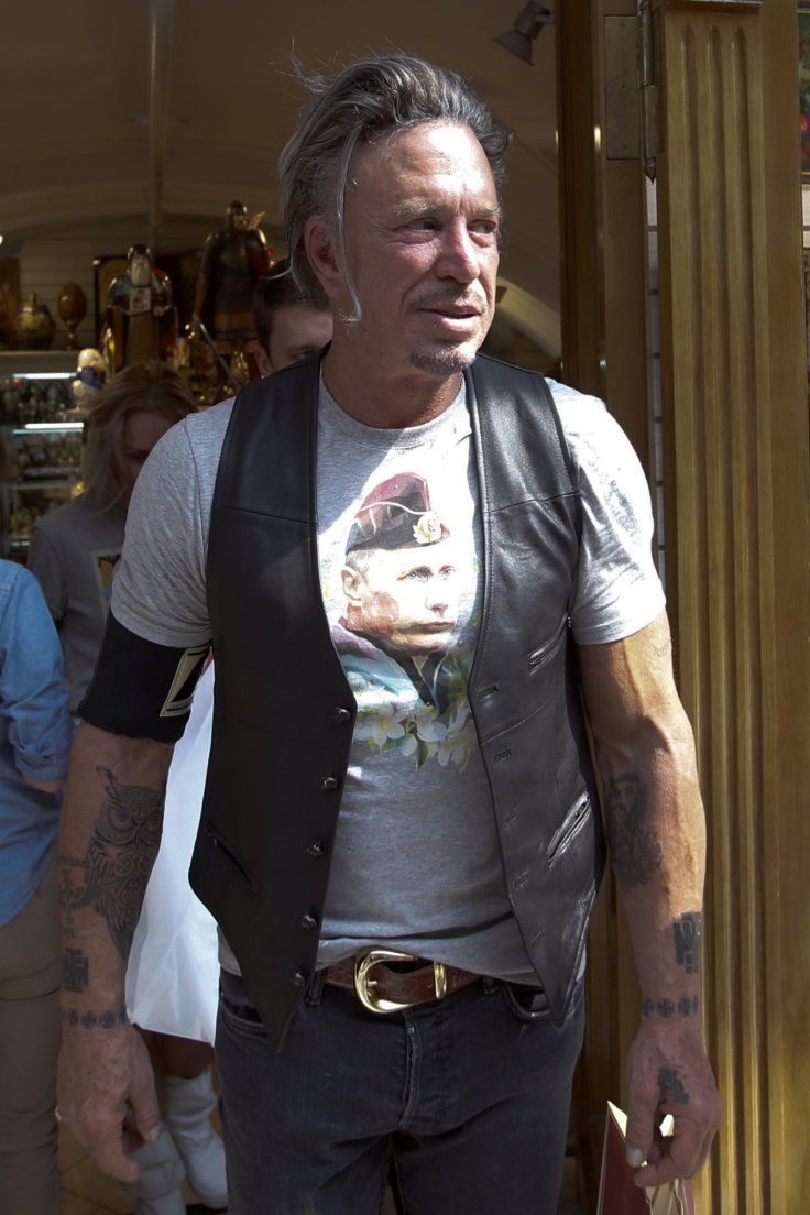 Mickey Rourke sports his Putin t-shirt
