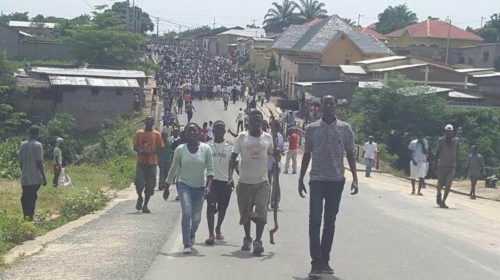 Burundi protesters