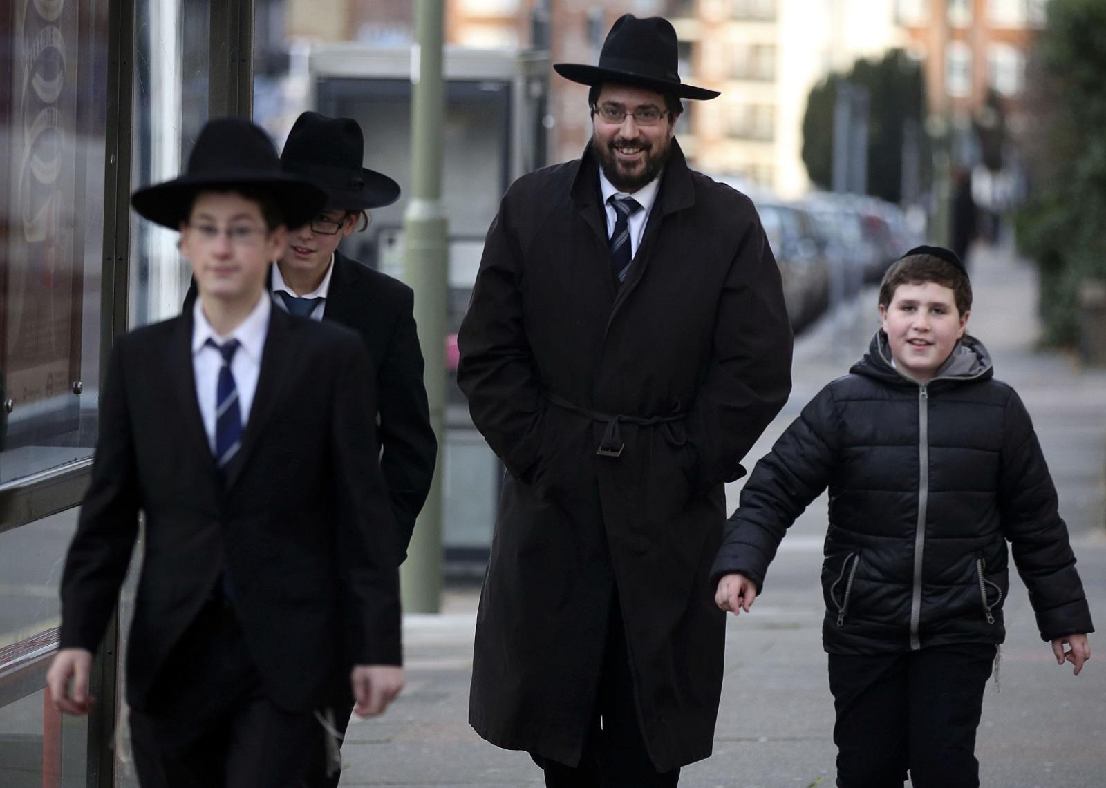 Jews in Golders Greeen face threat