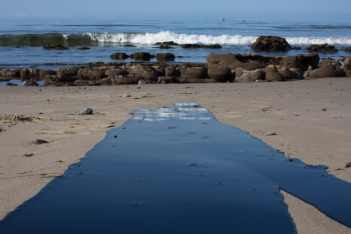 Santa Barbara oil beach