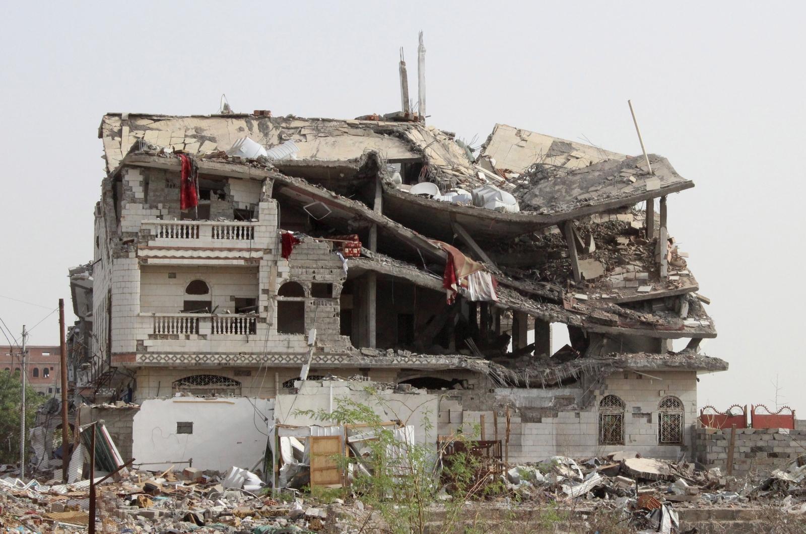 Yemen crisis and Saudi airstrikes