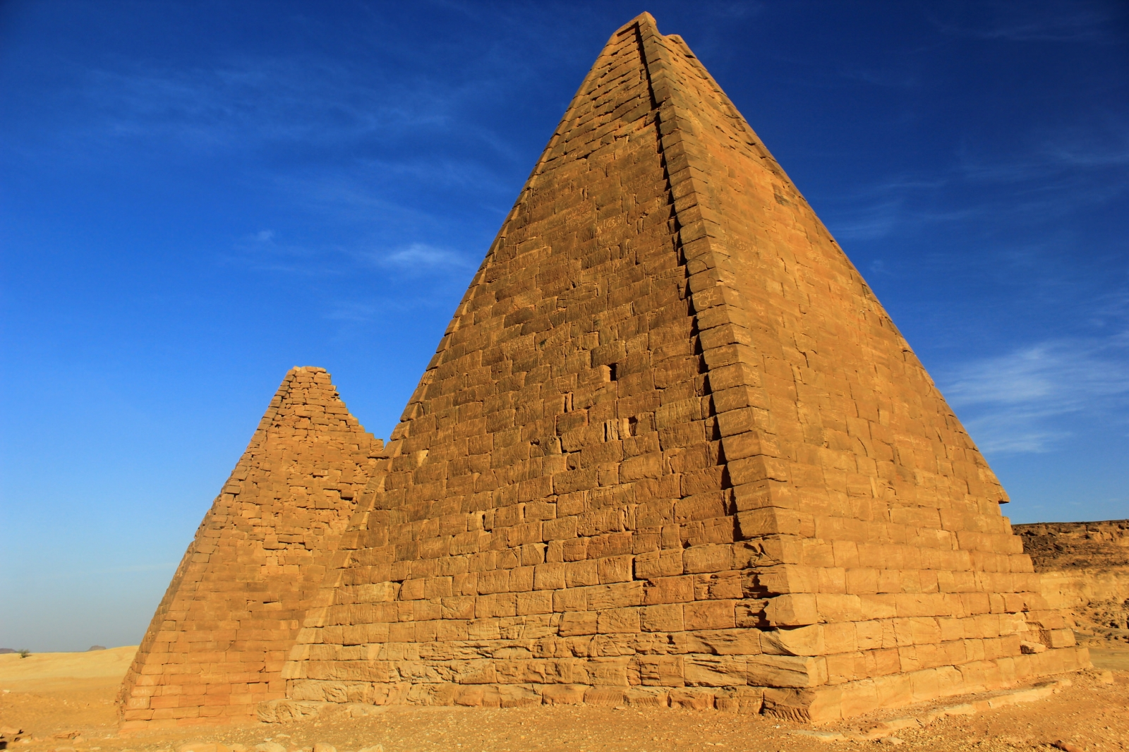 an analysis of the pyramids of ancient egypt in archeology Explore the archaeology, history, art, and hieroglyphs surrounding the famous egyptian pyramids at giza learn about old kingdom pharaohs and elites, tombs, temples, the sphinx, and how new technology is unlocking their secrets.