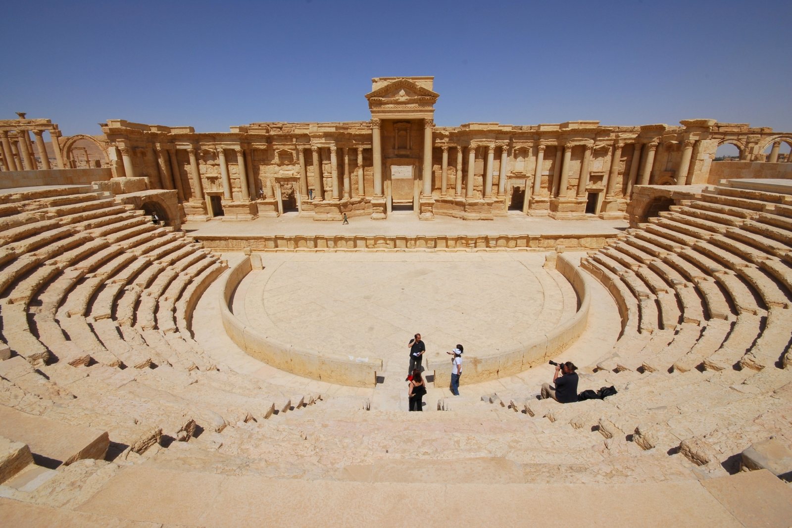 Palmyra: Isis releases first 'tourist' video from ancient Syrian city