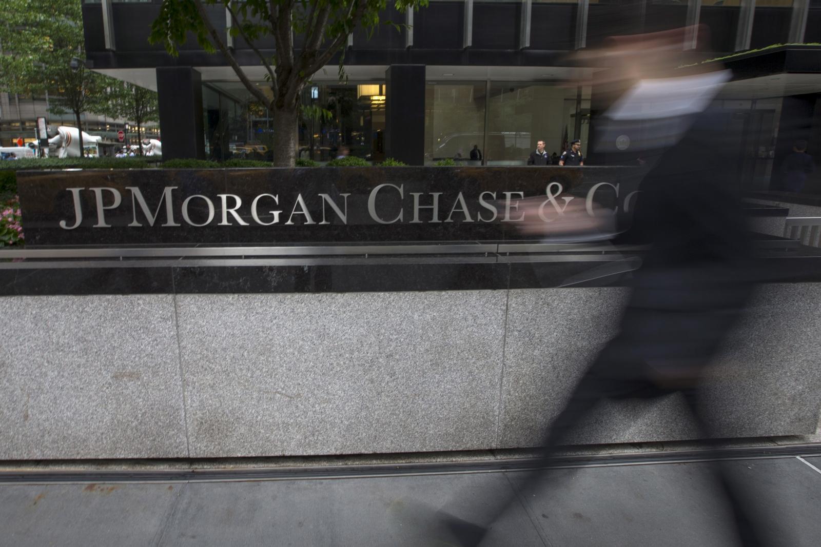 Banks pay $235 billion fines
