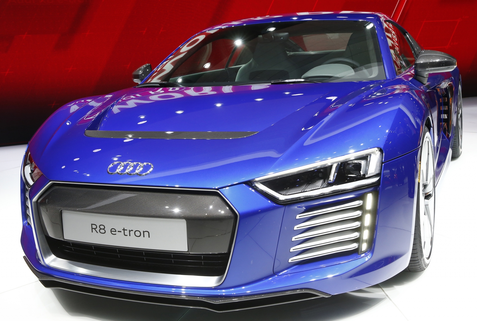 Audi Unveils Selfdriving Car R Etron In China Enabling Web - Audi r8 etron