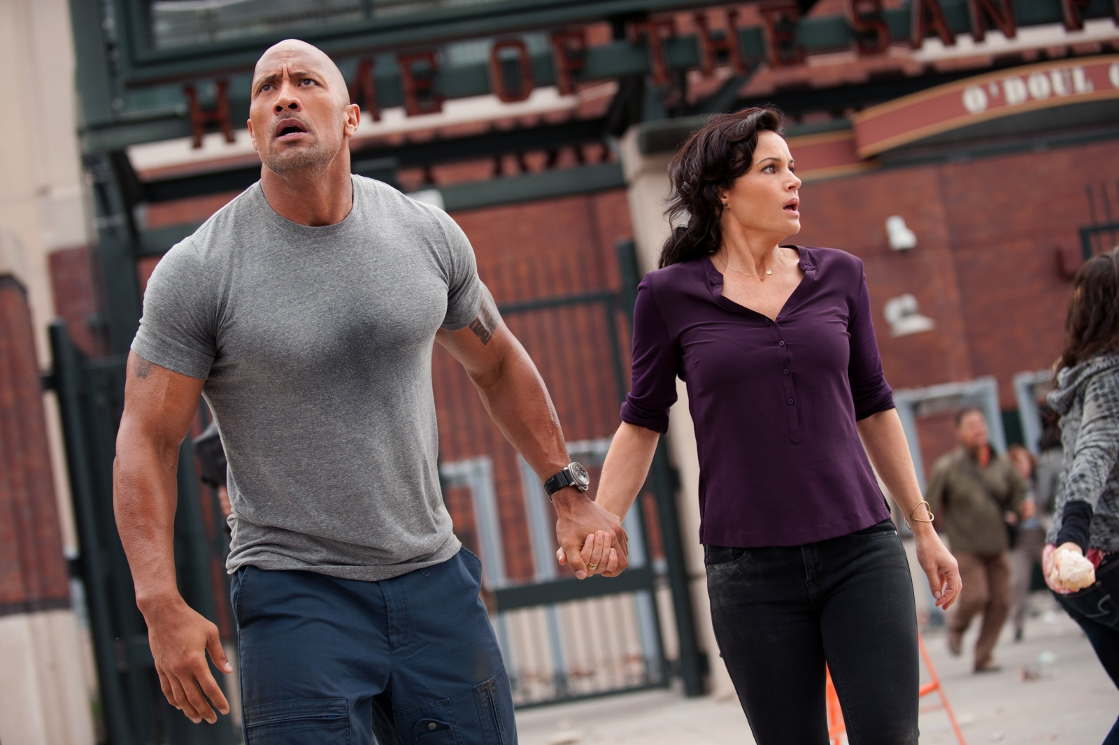 Dwayne Johnson/Carla Gugino in San Andreas