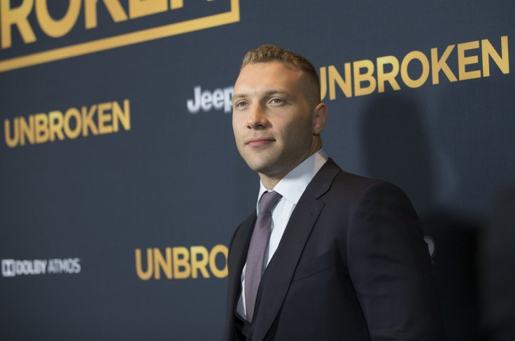 Terminator star Jai Courtney dating Emilia Clarke?