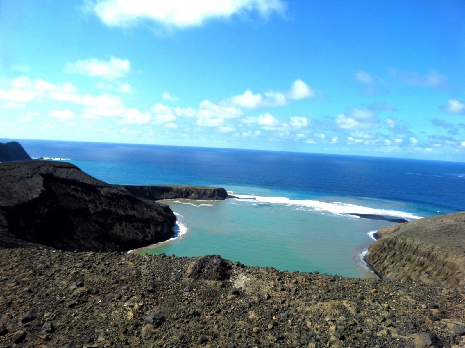 hunga tonga volcanic island