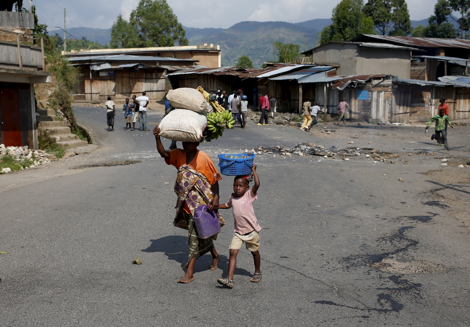 Burundi market child