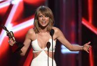 Taylor Swift Billboard 2015 Awards