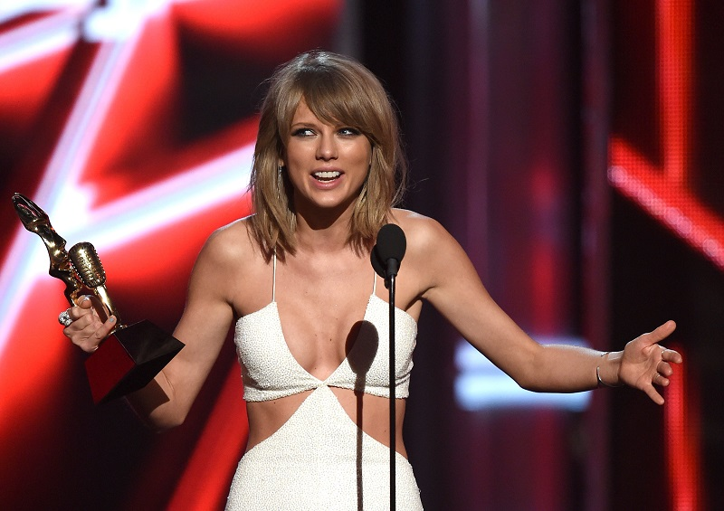 Taylor Swift Billboard 2015 Awards