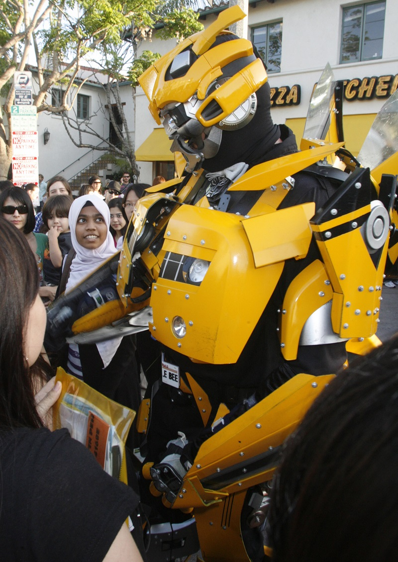 Transformers Bumblebee meets fans in LA