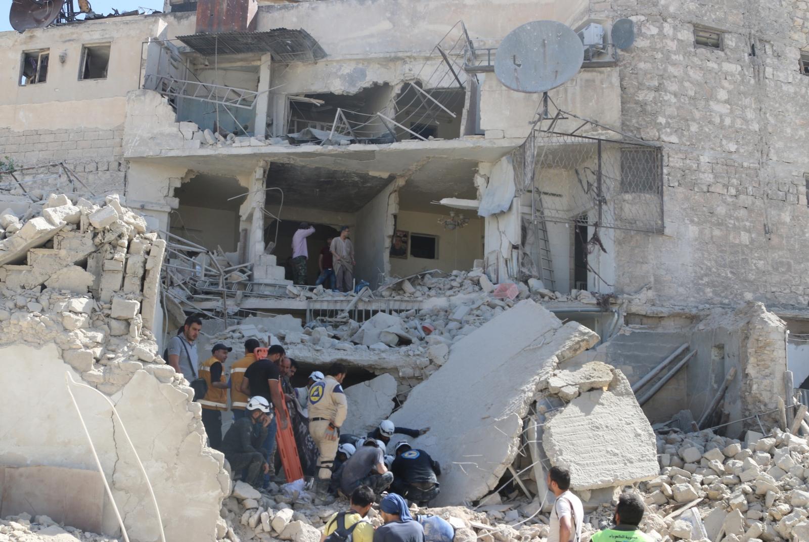 Barrel bomb strike in Aleppo