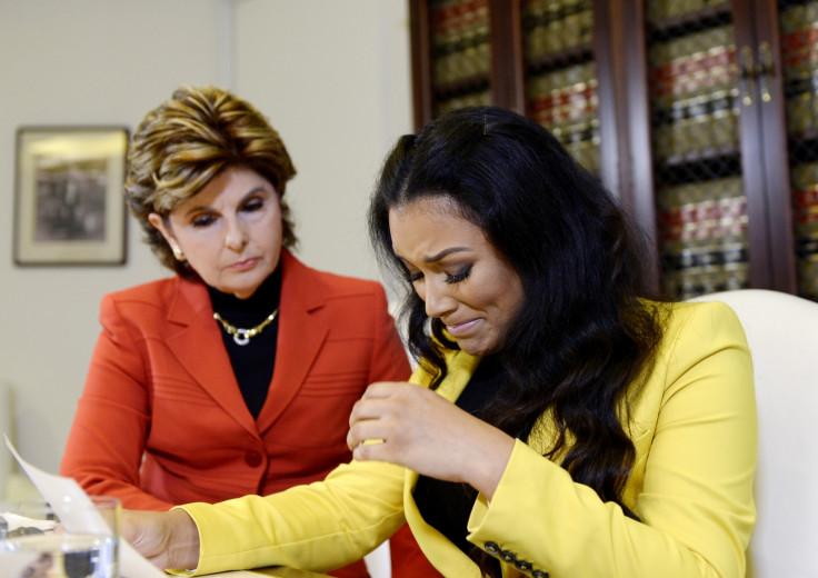 Shantel Jackson holds Floyd Mayweather press conference