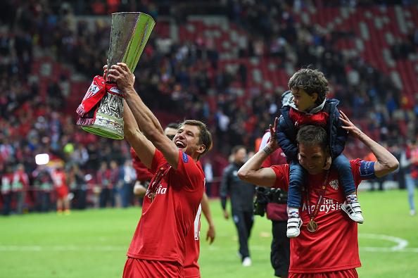 ... target Grzegorz Krychowiak rules out Premier League move on Twitter