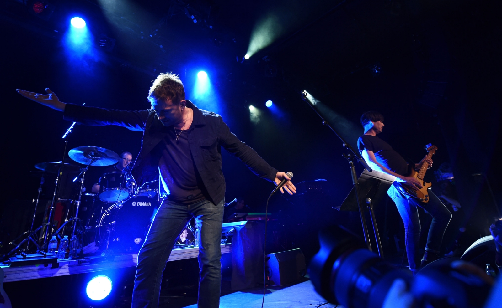 Blur performing