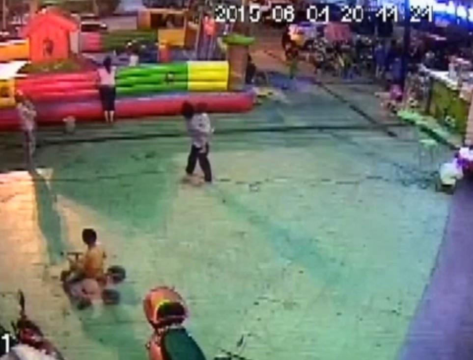 Tianyang City bouncy castle horror