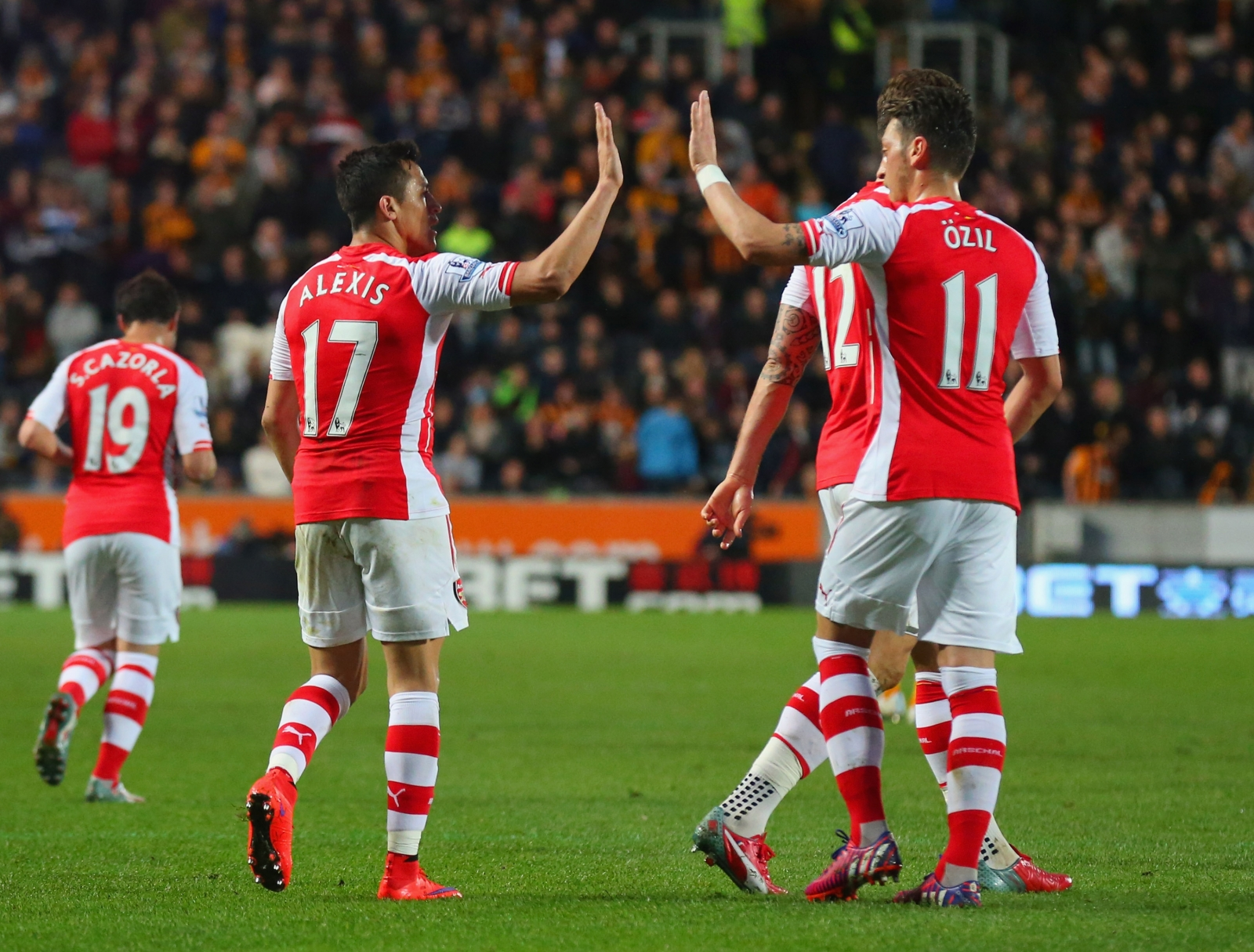 Mesut Ozil Alexis Sanchez: Arsenal: Alexis Sanchez Has Helped Turn Mesut Ozil Form