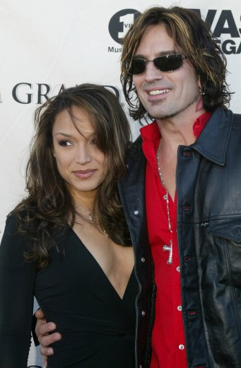 Mayte Garcia and Tommy Lee Jones 2002