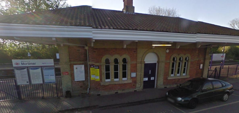 Mortimer train station