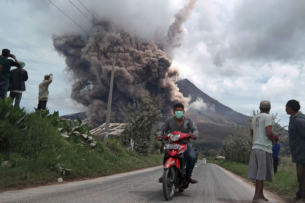 Indonesia: Mount Sinabung erupts, but thousands of ...