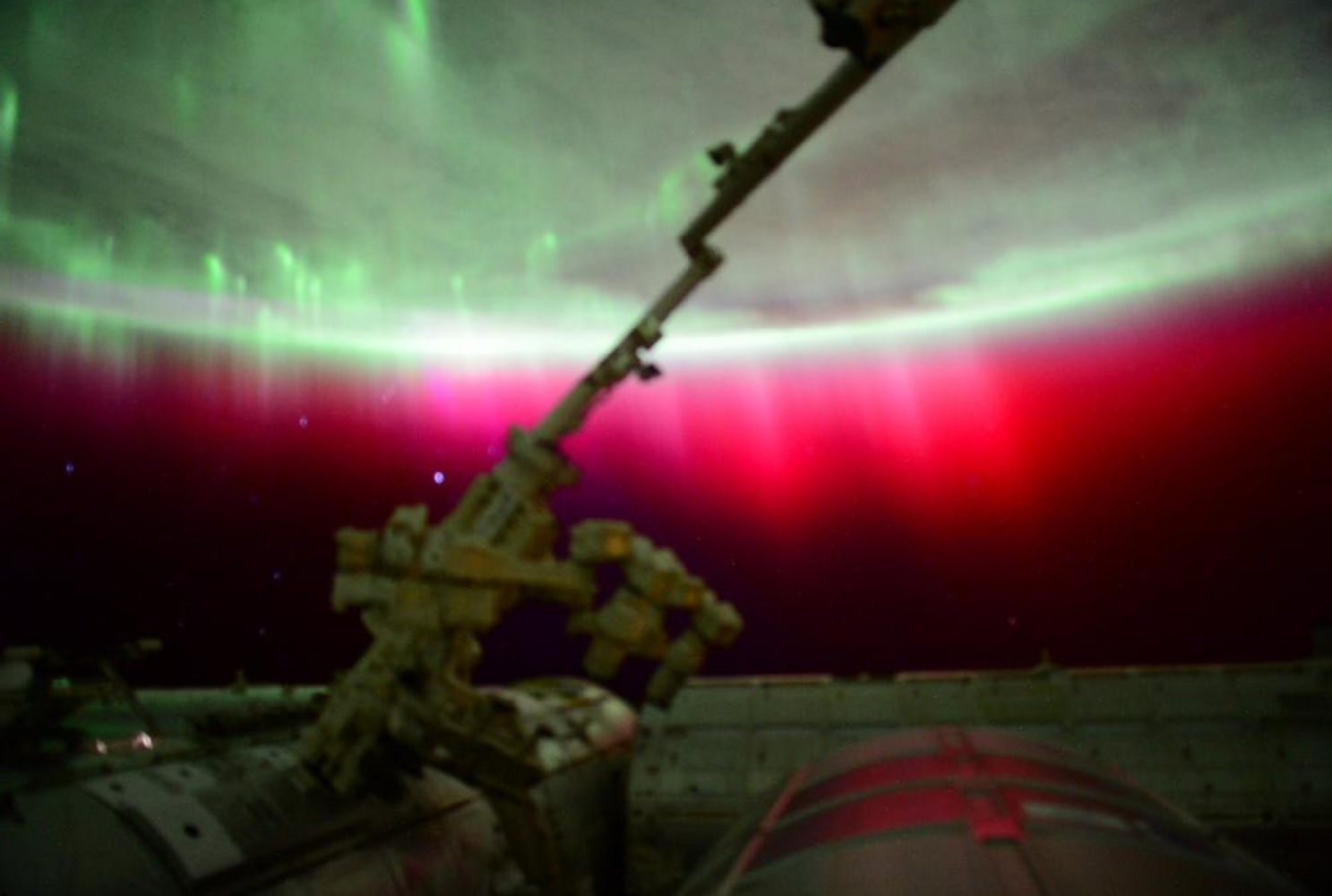 scott kelly red aurora