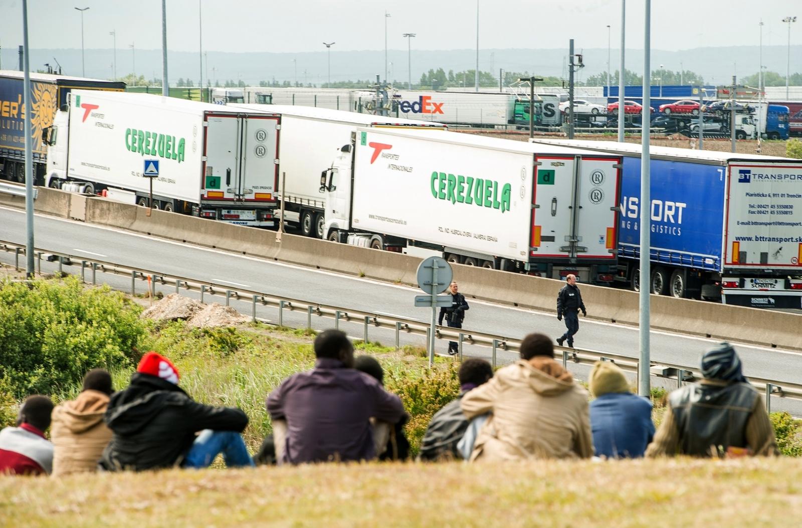 Calais migrant chaos