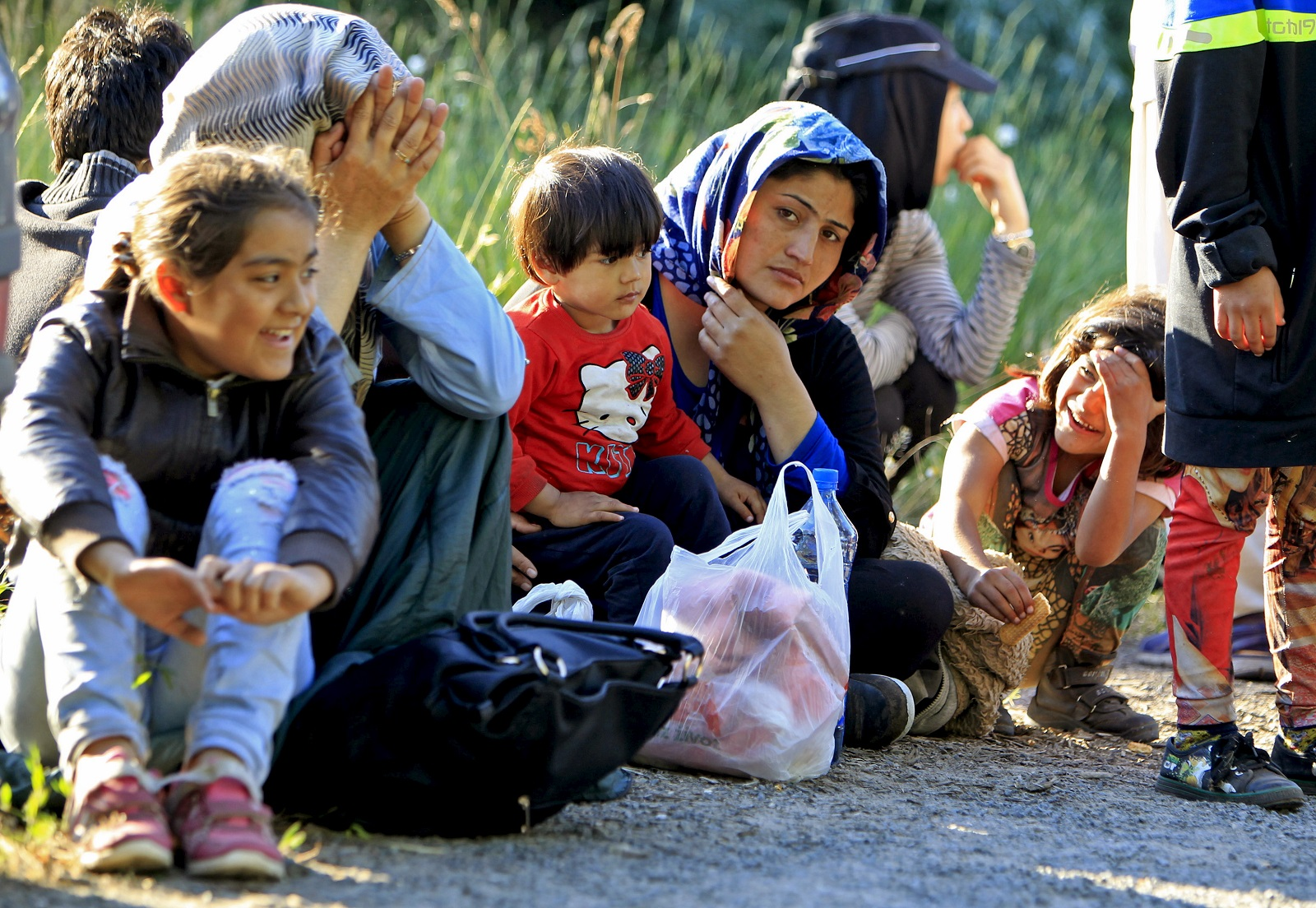 Afghans cross into Hungary from Serbia