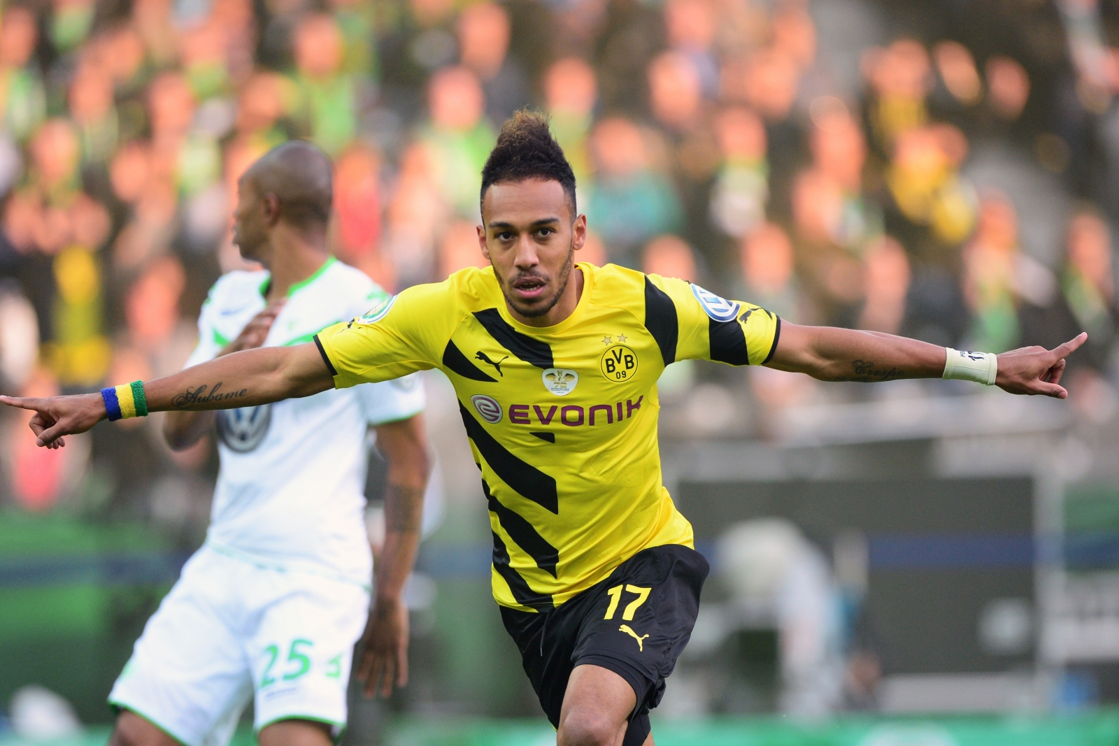 Pierre-Emerick Aubameyang  - 2018 Dark brown hair & sexy hair style.