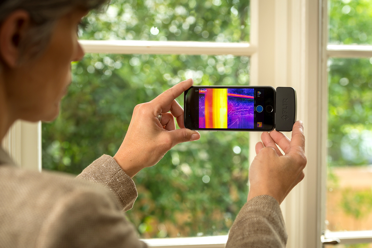 Flir One: the thermal camera for smartphones