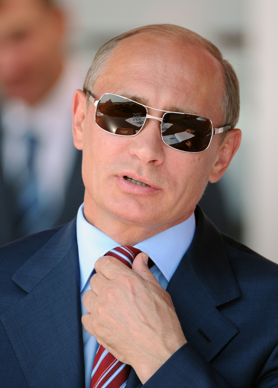 Russia: Putin to step down in 2019 says Kremlin critic ...