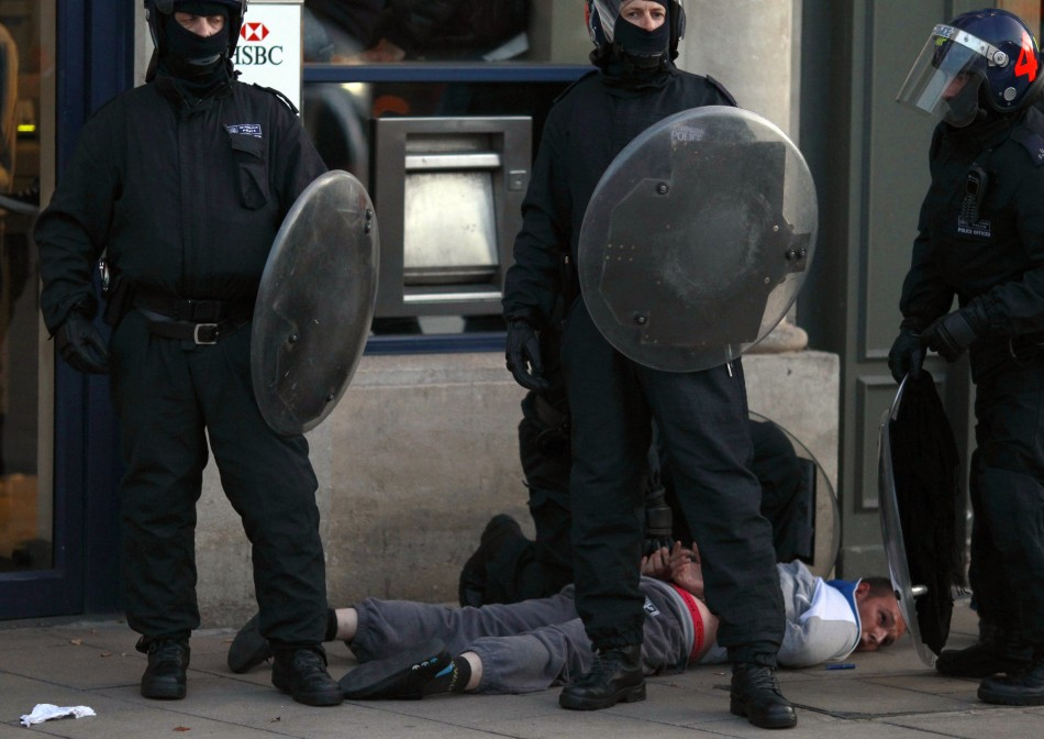 London Riots: Met Police Release Survival Guide