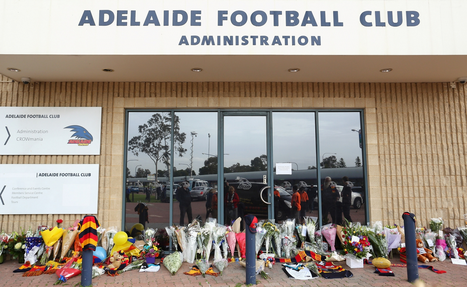 Phil Walsh tributes