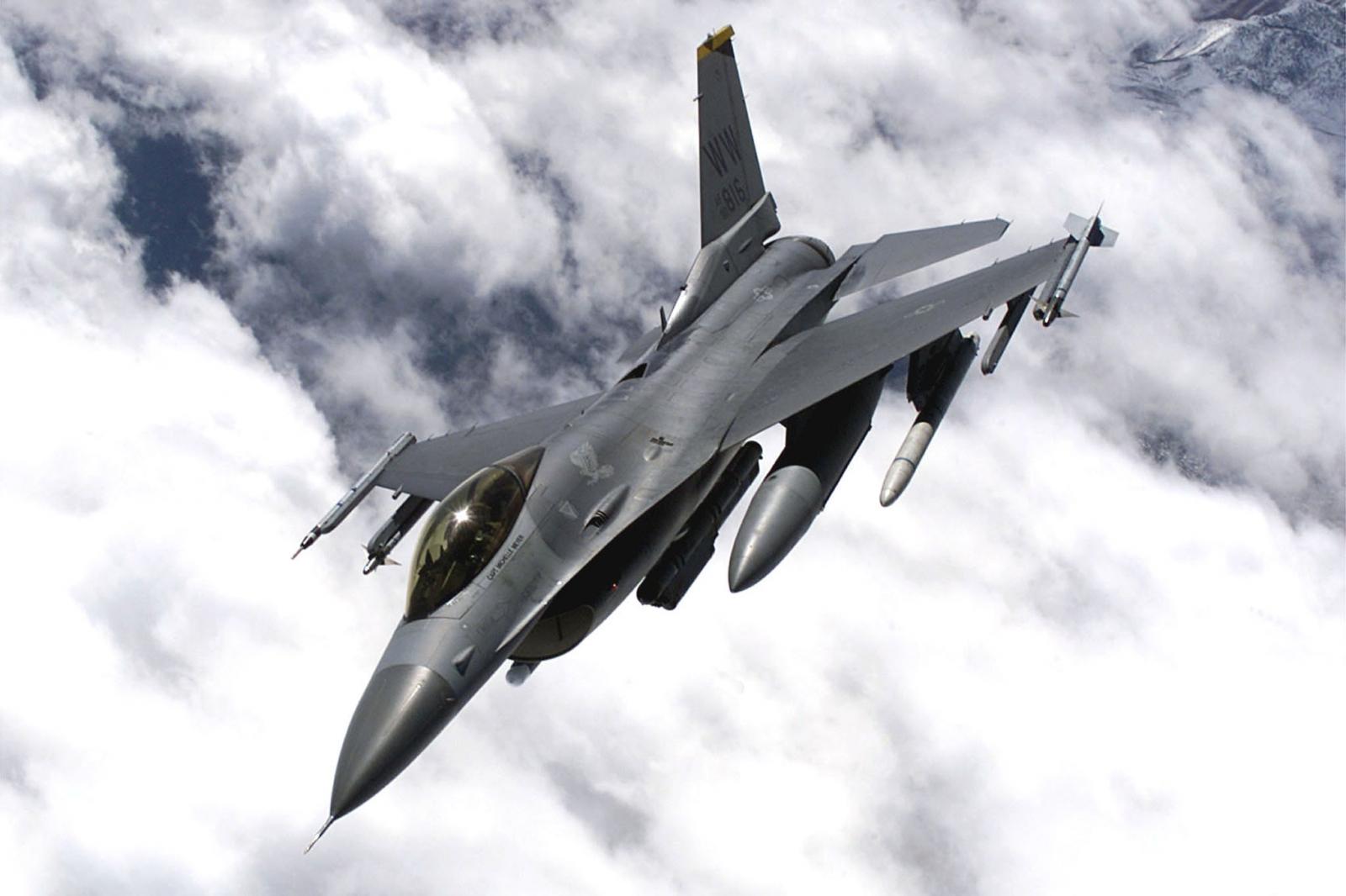 US F16