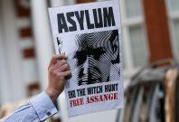 assange wikileaks asylum France
