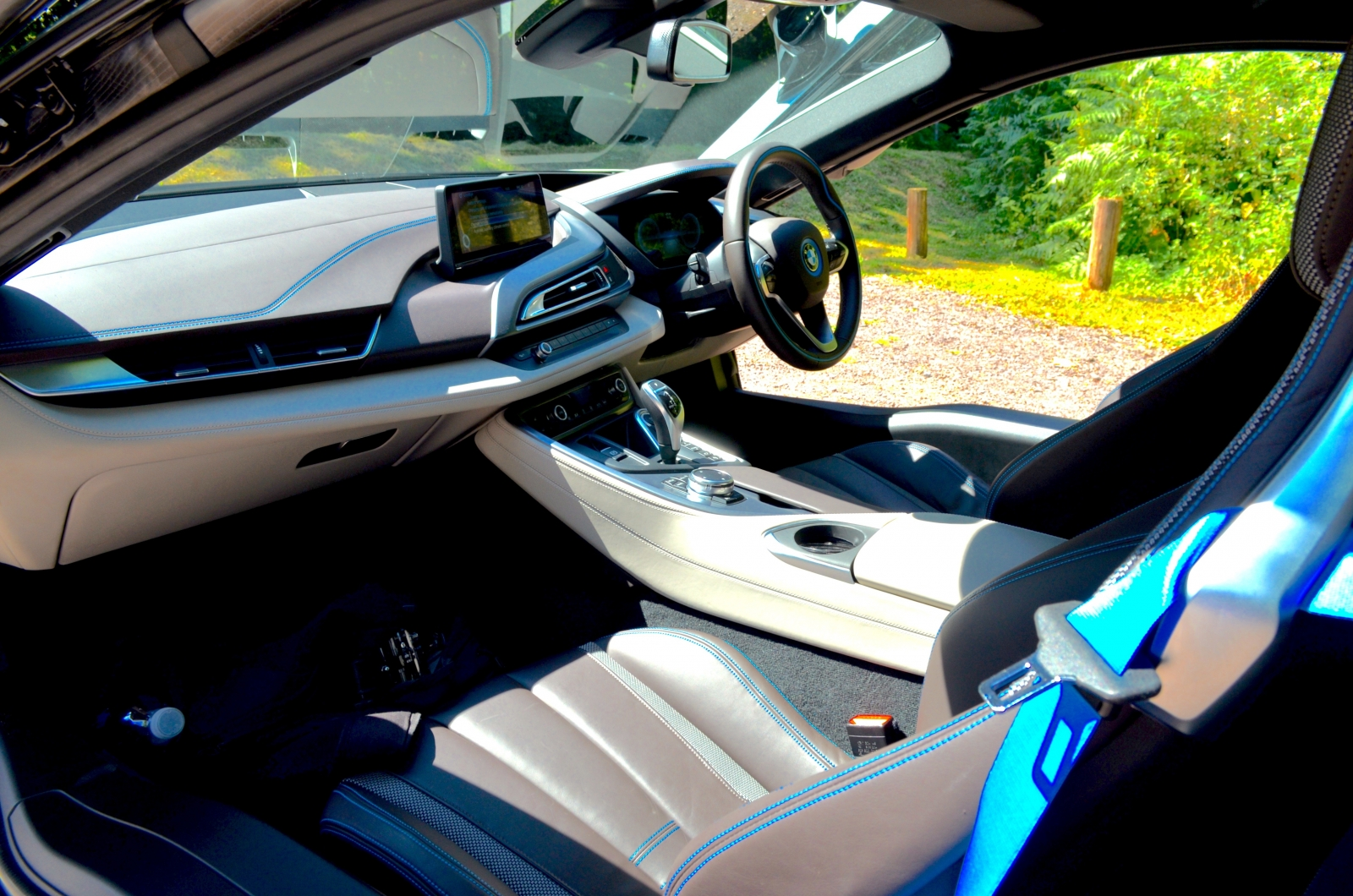bmw i8 review. Black Bedroom Furniture Sets. Home Design Ideas