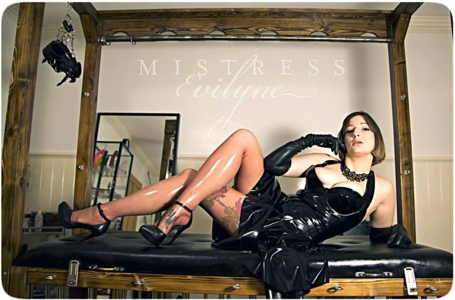 Mistress Evilyne