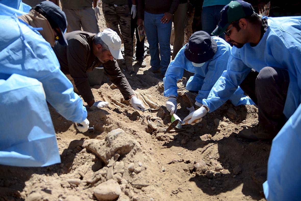 Tikrit mass graves