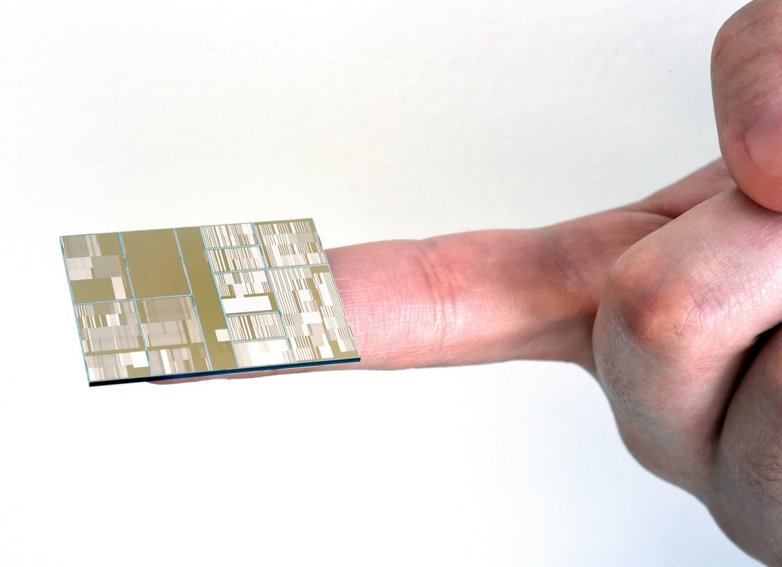 IBM computer chip moore's law