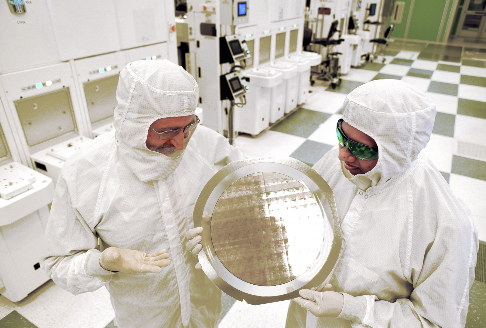 IBM silicon chip moores law