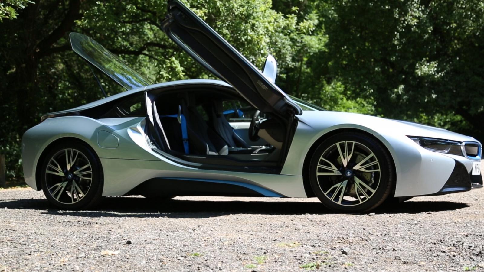 BMW i8 sound system