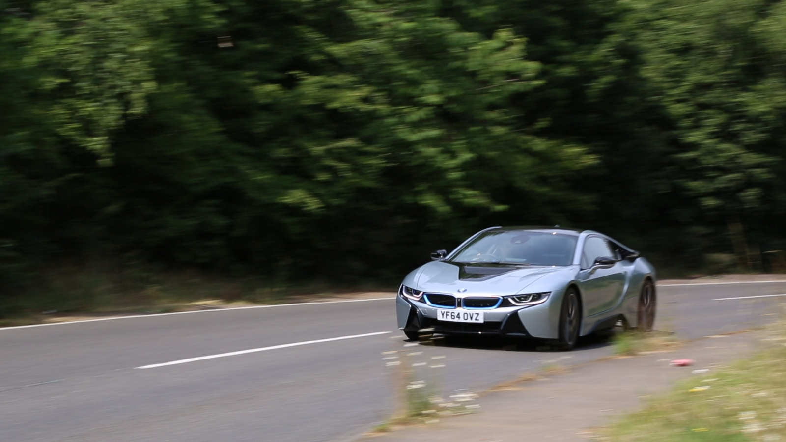 BMW i8 in action
