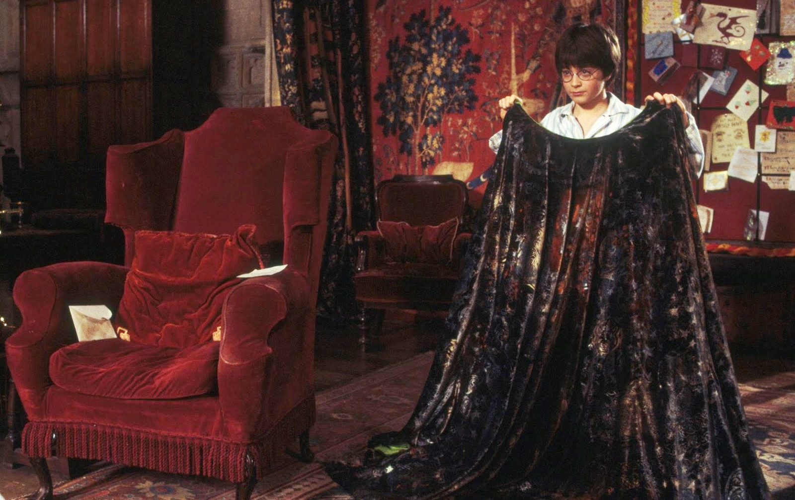 Invisibility cloak: Thin Harry Potter fabric design finally possible using dielectric materials