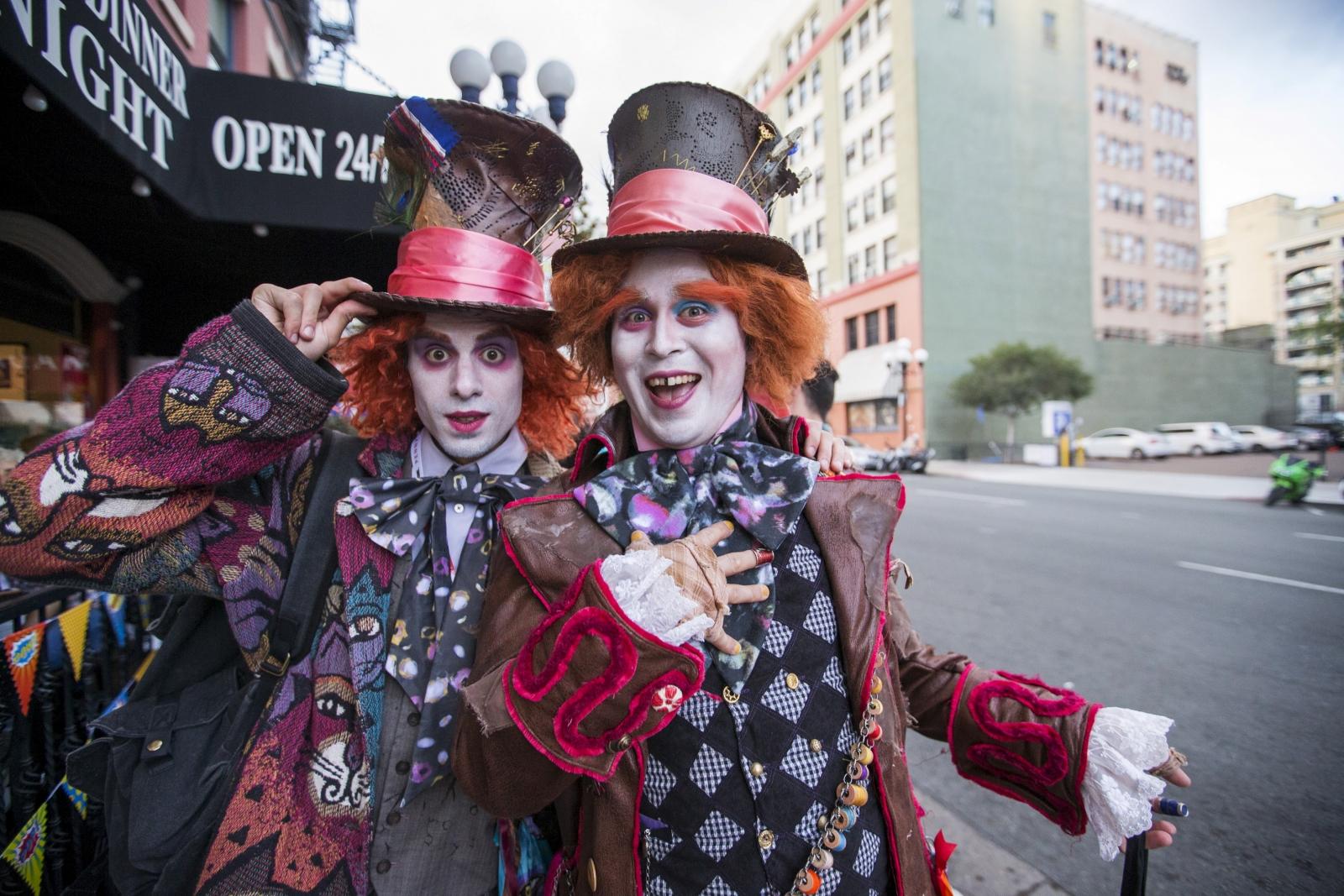 Comic Con Alice Wonderland Mad Hatter